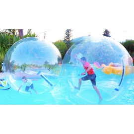 Water ball et piscine géante