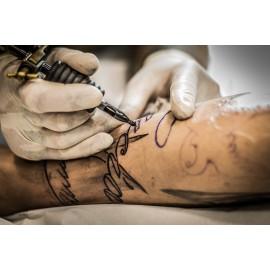 Tatoueur et piercing animation