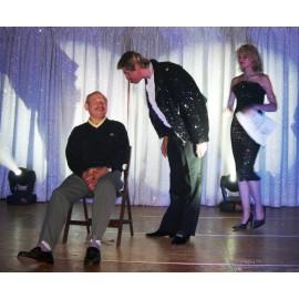 Hypnose comique avec une Chaise électrique