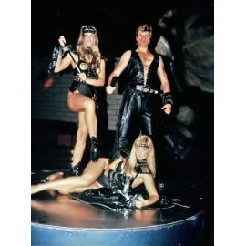 Show apocalyptic avec Rino Baldi et Les Rinettes Girls avec Cuir et peau de bête