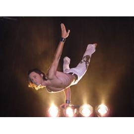 acrobate-equilibriste-acrobatie-rhône-alpes-lyon-69-