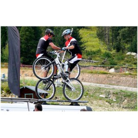 ACROBATIES EN VTT (BIKE) OU TRIAL*